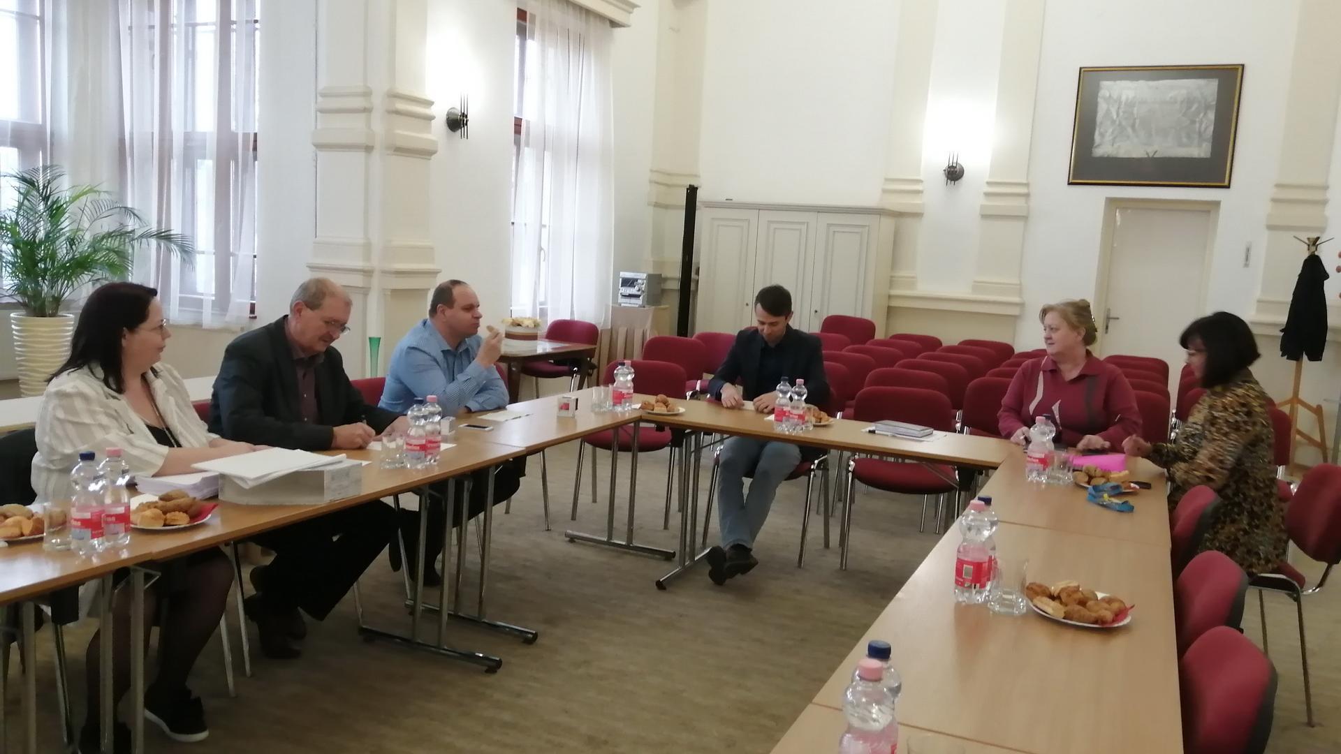 Vezetőségi és konzorciumi ülés